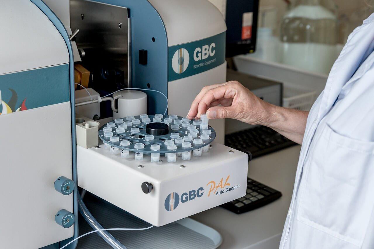 新型コロナの治療薬やワクチンはいつ完成する?